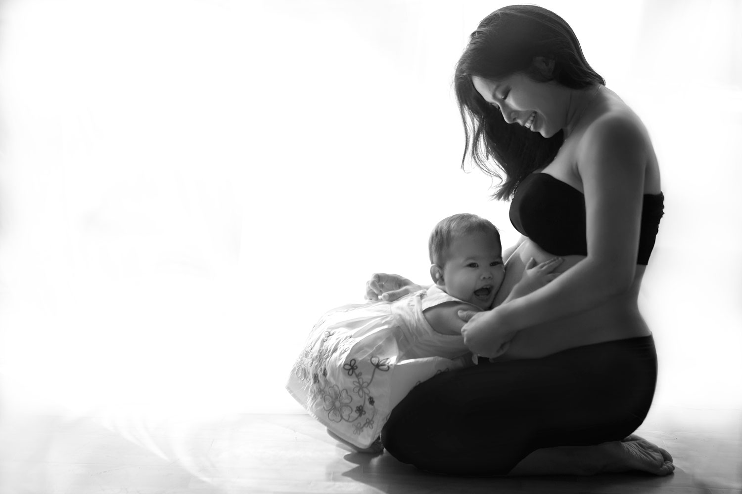 Pregnancy maternity photograph studio with older children